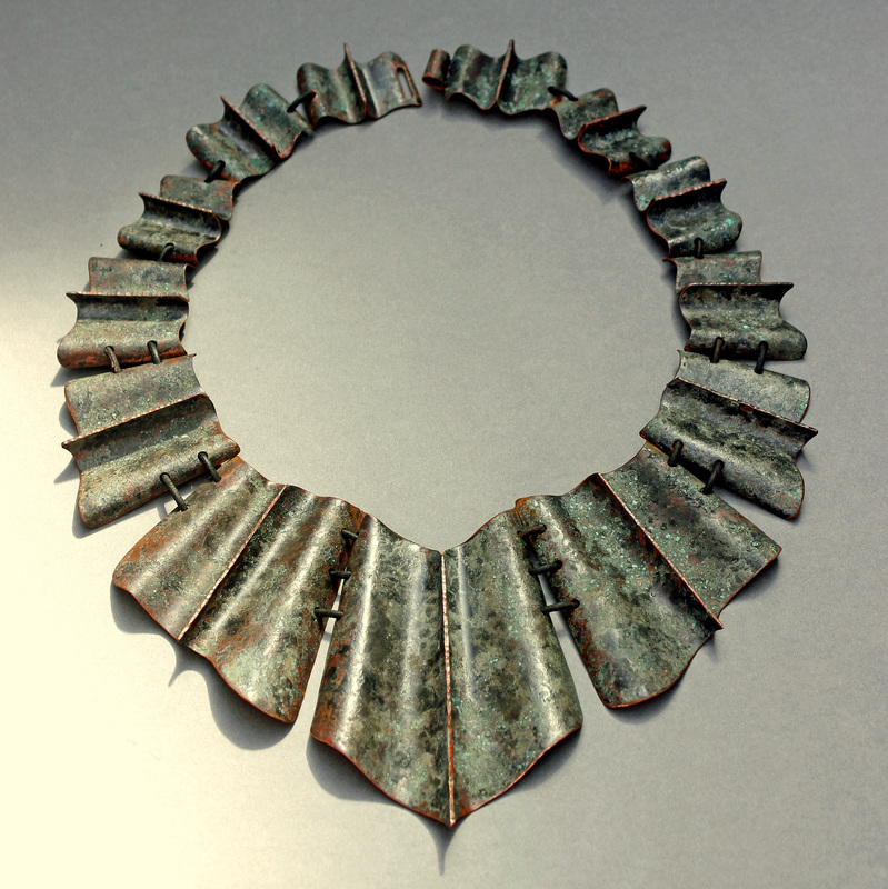 "Sher Novak, Albany, CA, U.S., ""Fluted Collar"" (31.8 x 23.5 cm) Copper, leather cord, patina -- www.foldforming.org"
